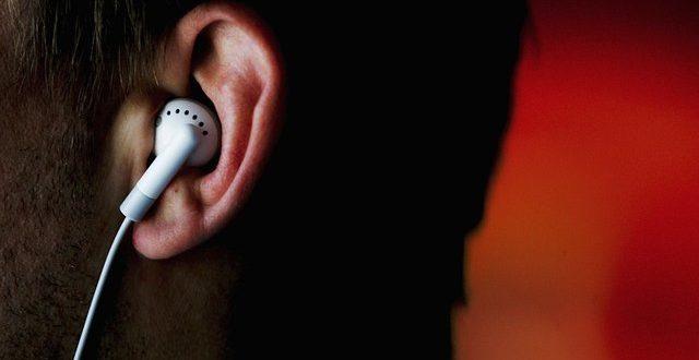 شنوایی یک میلیارد جوان در خطر است